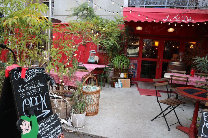 まるで気分はパリの街角ランチ。明治神宮前「ラ・フェ・デリース」で女子会がしたい