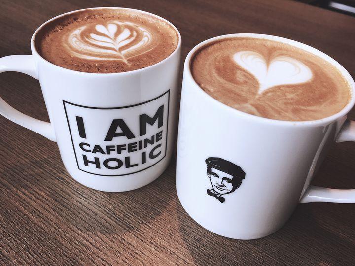 カップの柄で選びたい。東京都内のおしゃれロゴのコーヒーショップ7選