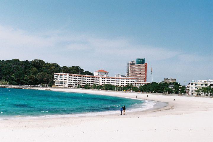 """""""西の楽園ビーチ""""を旅する夏! 関西でおすすめの「美しすぎる海水浴場」13選"""
