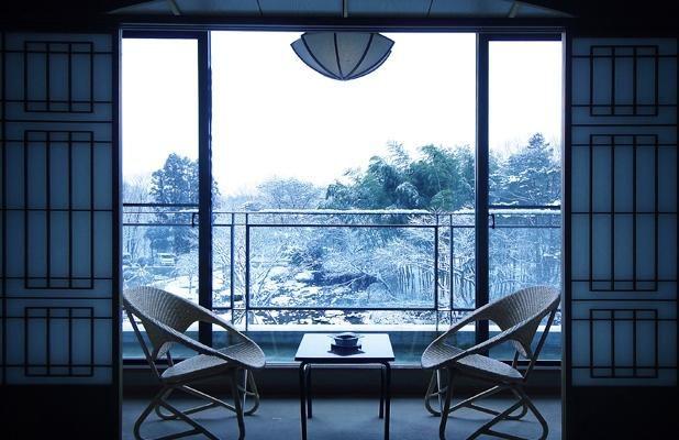 雪と温泉と素敵な友達と。北海道・東北地方のこの冬行くべき温泉地10選