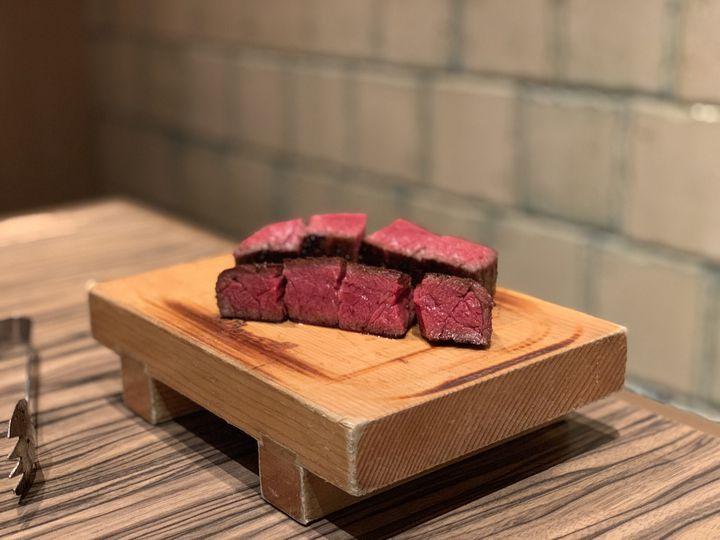 東京フードオリンピックの決勝は、寿司VS焼肉。金メダルを決めるのはあなた!