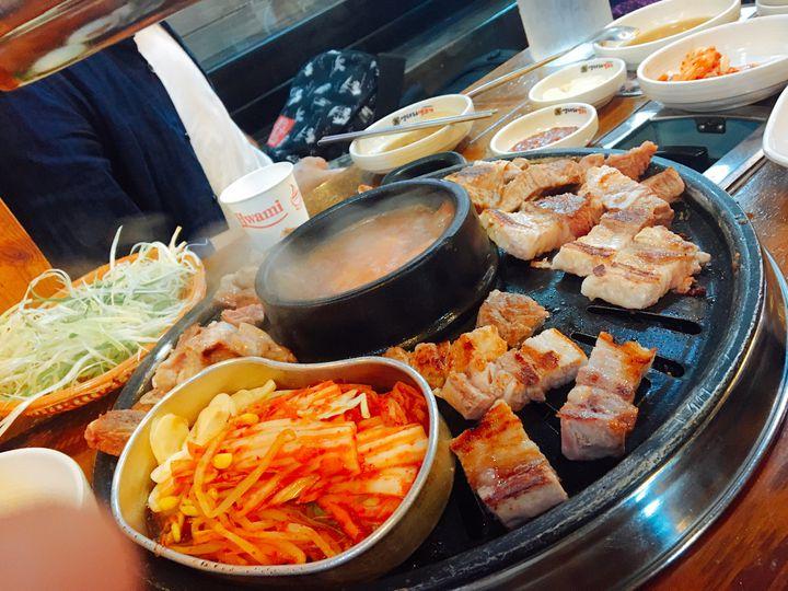 コスパ最強サムギョプサル。韓国にあるオントリセンコギの食べ放題に行ってきた