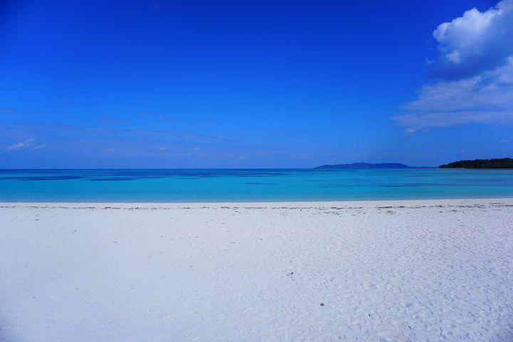 一度はいきたい絶景の地!沖縄の原風景が見られる「竹富島」の美しすぎる魅力