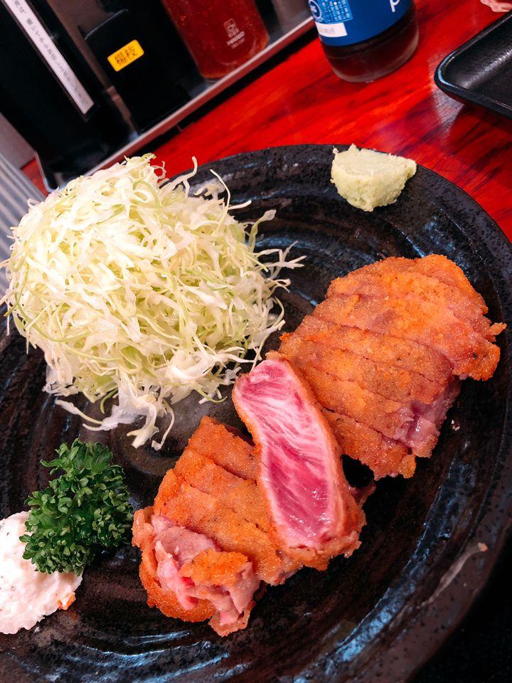 サクッとジューシーな牛カツを求めて。東京都内の「牛カツの名店」7選