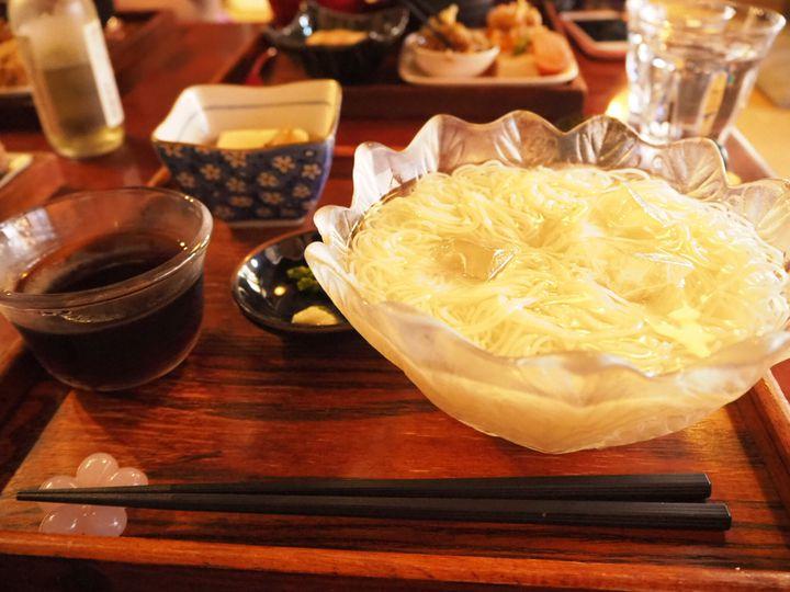 """直島旅行のひとときに。香川県直島にある""""あいすなお""""のご飯が最高すぎた"""