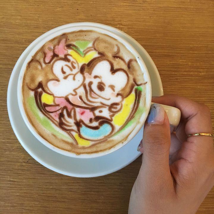 海外で話題のカラフルラテを日本でも!色付きラテが飲める全国のカフェまとめ