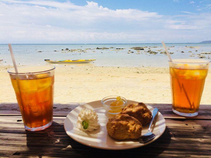 """沖縄本島のおすすめ""""隠れ家カフェ""""8選!みんなが知らない秘密基地へ。"""