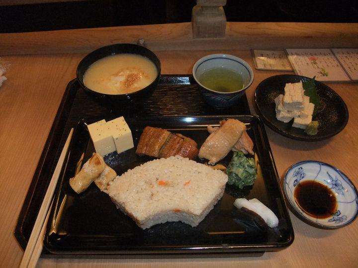 京都で味わう本物の汁物。老舗の汁物専門店「志る幸」で至高の食事を