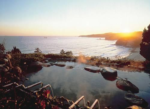 目の前のビーチを独り占め!熱海・伊豆の「絶景露天風呂」がある温泉宿9選