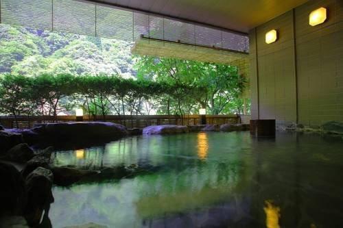 """北陸新幹線で一本!気楽で極楽な""""北陸エリアのおすすめ温泉""""7選"""