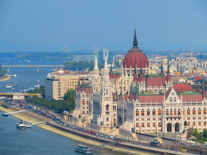まるでおとぎ話の世界へ。東欧の国ハンガリーの観光スポット10選