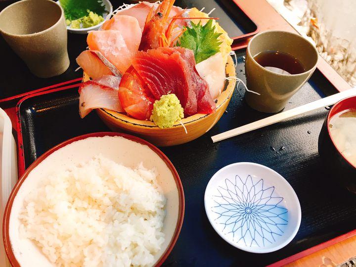 周りの目なんて気にするな!新宿周辺でガッツリ食べたい時におすすめのグルメ8選