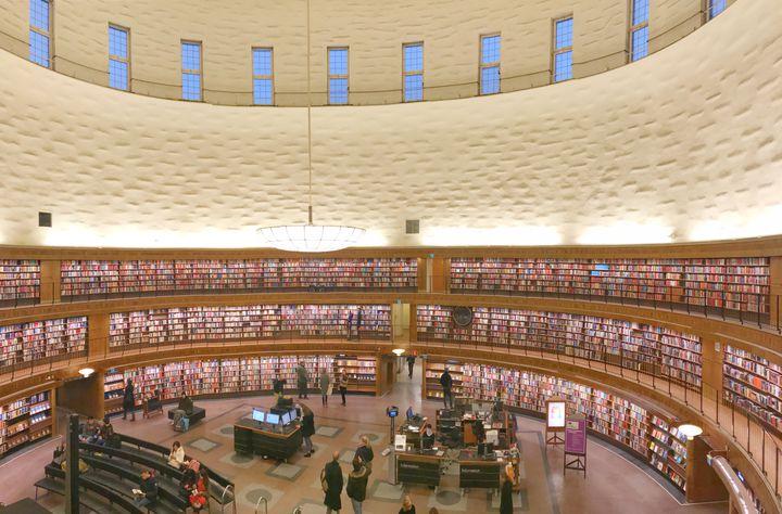 """圧倒的フォトジェニック!""""ストックホルム市立図書館""""はインスタ女子の聖地だった"""