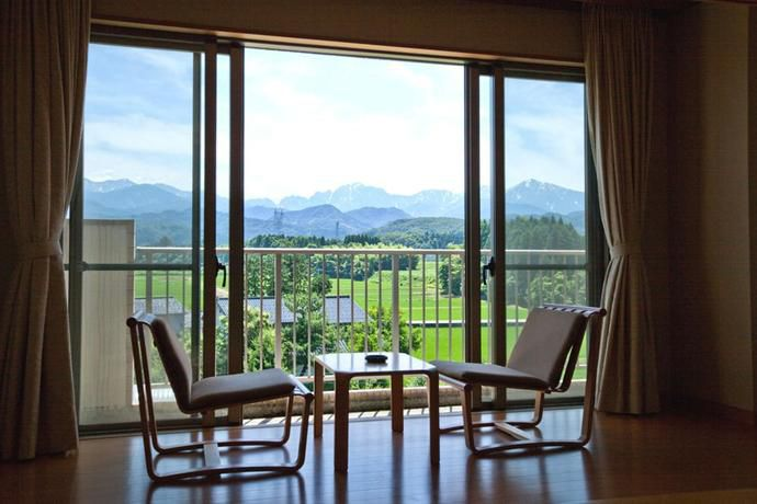 芸術鑑賞を楽しむ!富山市芸術文化ホール周辺でおすすめのホテル20選