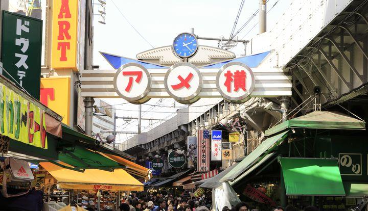 地元から愛されているのです。食べ歩き旅ができる都内にある昔ながらの商店街5選。