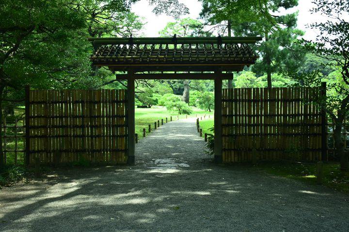 スマホよりも自分の充電を。東京都内の心と体が満たされる「緑の充電スポット」7選
