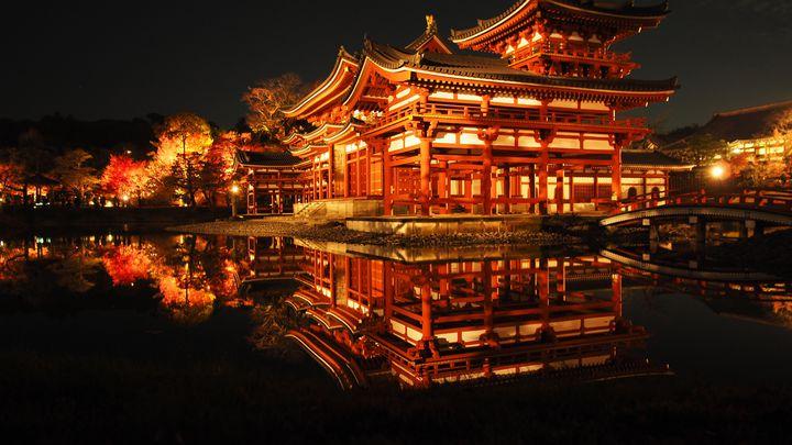 秋夜に浮かぶ古都の絶景。2018年京都紅葉ライトアップ名所まとめ