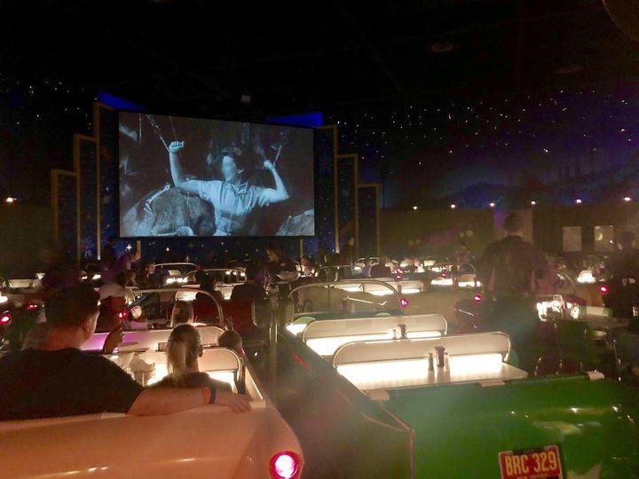 60年代にひとっ飛び!ディズニーワールドのドライブインシアターレストランが素敵
