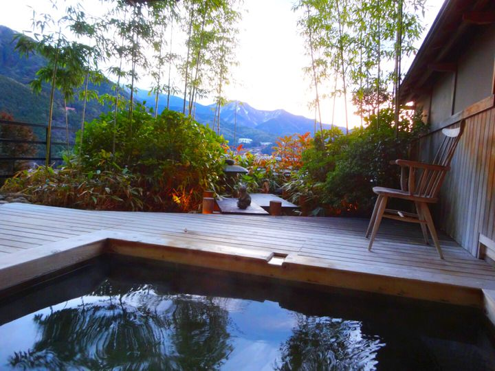都会の喧騒から離れ、癒しの旅へ。日本全国の人気の隠れ宿ランキングTOP10