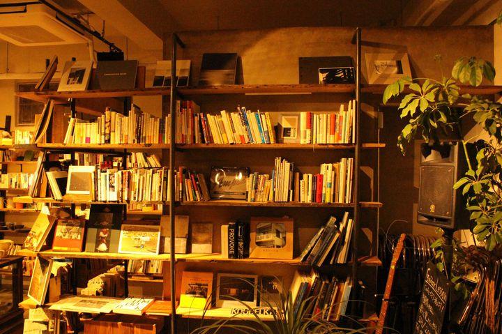 個性派ブックカフェも!東京都内のおしゃれ&個性派ブックカフェ15選