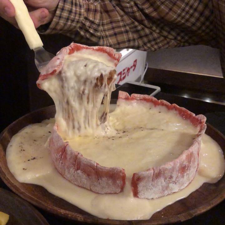 チーズも頬もとろけちゃう!新宿の絶品チーズ料理が食べられる店8選