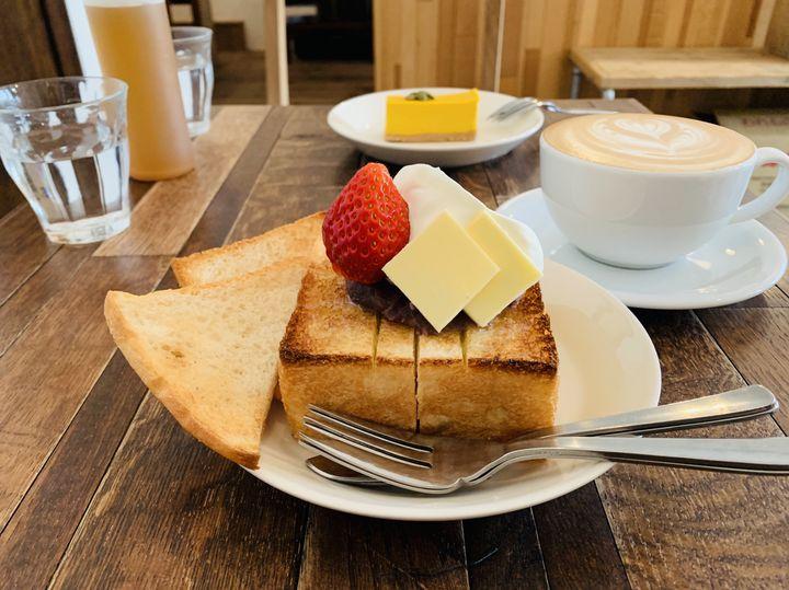 あんバターからピザトーストまで!「絶品トースト」が食べられるカフェ10選