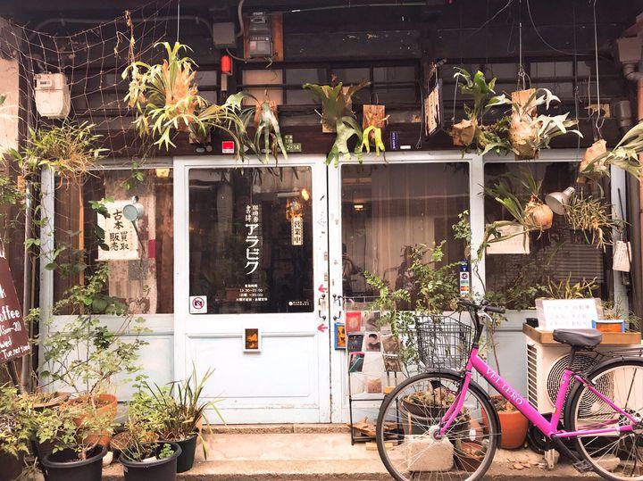 本×コーヒーでリラックス。大阪で行きたい話題の「ブックカフェ」12選