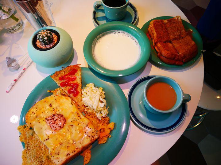 旅先で優雅にモーニング。「沖縄」でおすすめの朝食スポット20選