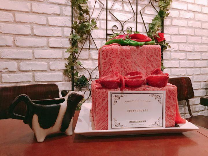 いつもとは違うバースデーケーキ。東京都内で「肉ケーキ」がいただけるお店7選