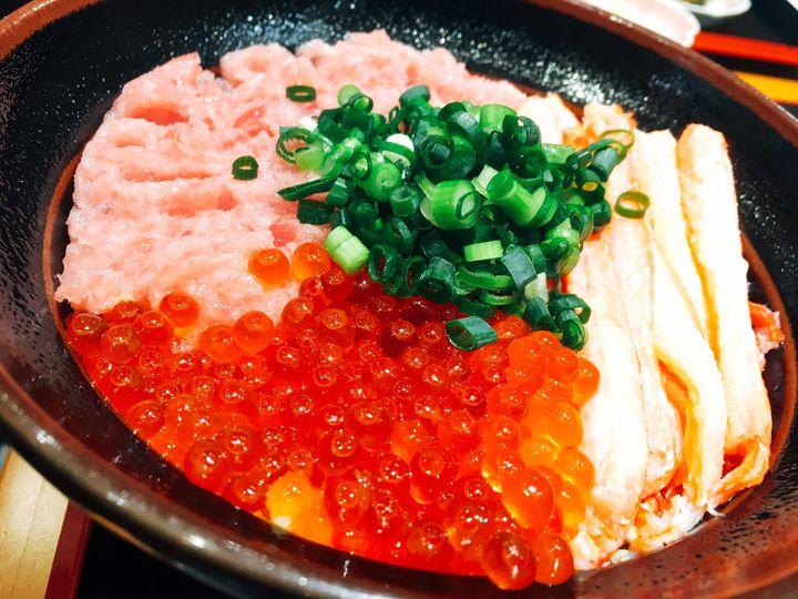 やっぱり海鮮が食べたい!富山の絶品ご当地グルメ海鮮丼ランキングTOP15