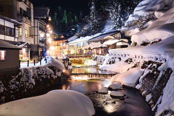 """寒い季節こそ""""癒され温泉旅""""へ!日本国内の冬におすすめな温泉地12選"""