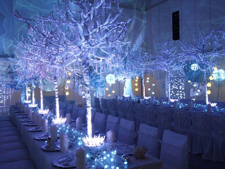 【終了】フォトジェニックな夜を。岡山モノリスで『純白の森ナイトミュージアム』が開催