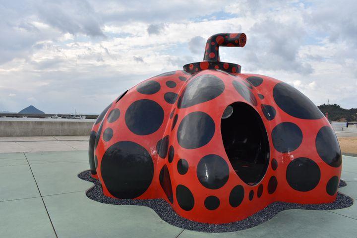 アートの島「直島」に行くならぜひ訪れるべき!人気スポット15選