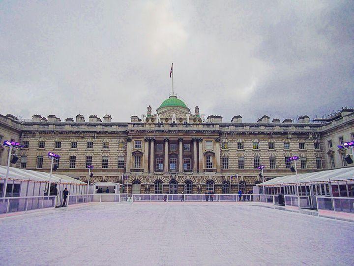 憧れのヨーロッパで過ごす冬。クリスマスに訪れたいロンドンのアイススケート場7選