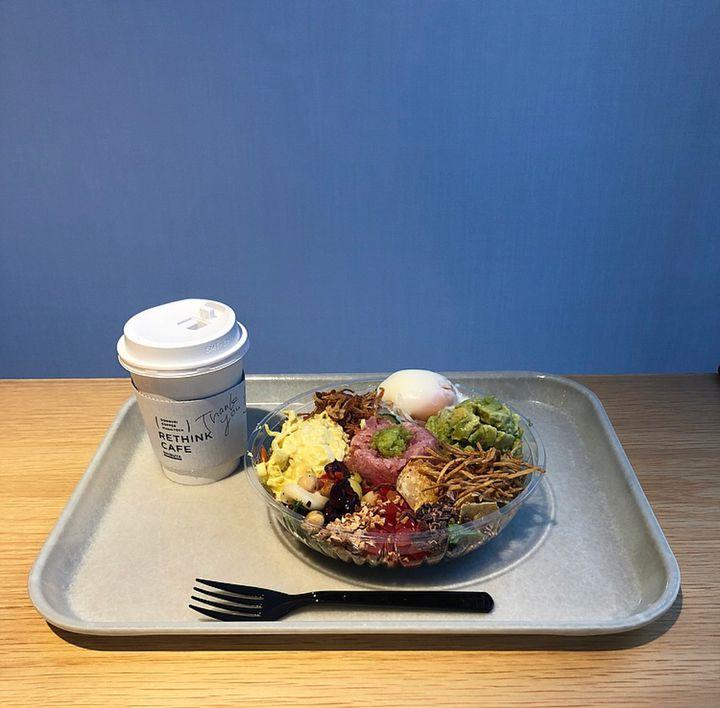 Wi-Fiに電源、漫画まで!本当は秘密にしたい「RETHINK CAFE」の魅力