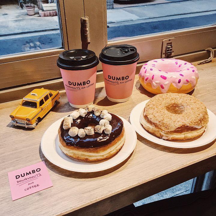 麻布十番のピンクカフェ!「DUMBO Doughnuts and Coffee」原宿にオープン