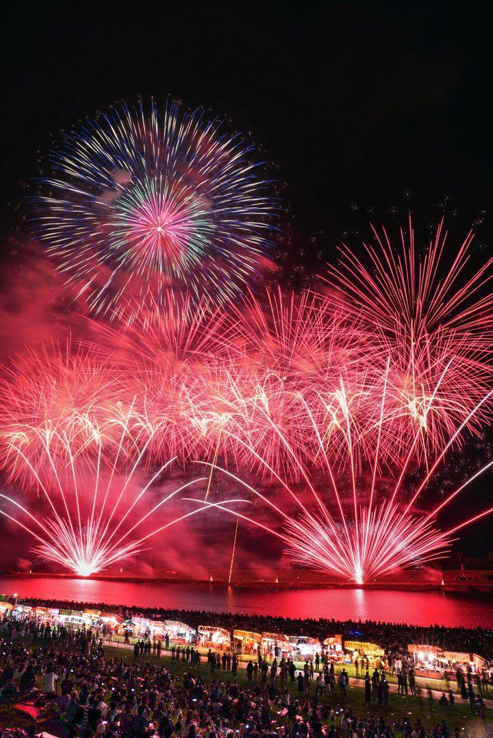 【終了】西日本屈指の1万8000発の花火が夏空を彩る「筑後川花火大会」が今年も開催