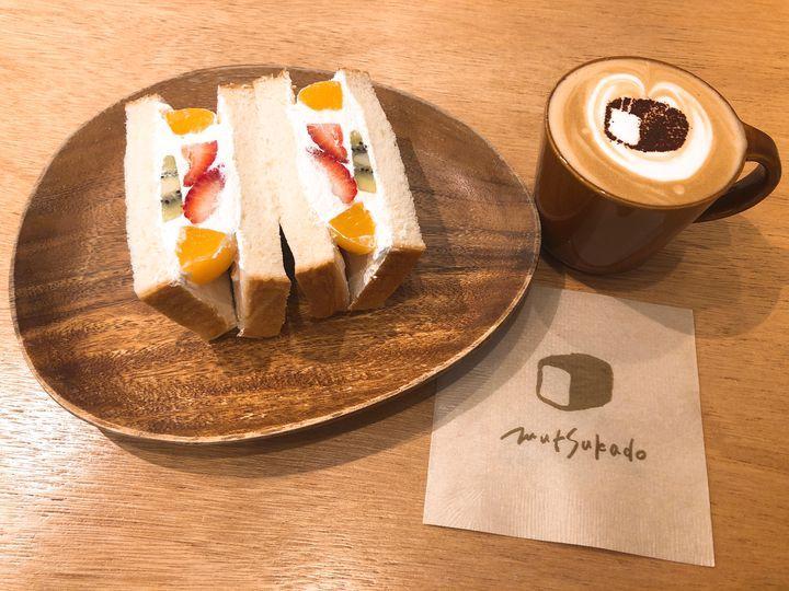 ふわふわのオリジナル食パンを大満喫。福岡「むつか堂カフェ」がおすすめ