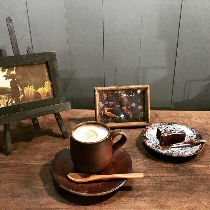 読書の秋だからこそカフェに!読書がより楽しくなる東京都内のブックカフェ11選