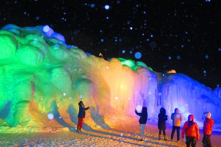 """【開催中】""""冬の絶景""""と言えばコレ!北海道で層雲峡氷瀑まつりが開催"""