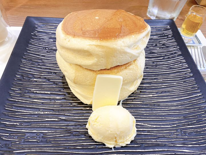 ぷるぷるの食感に感動の嵐。一度は食べたい浅草「紅鶴」のパンケーキとは