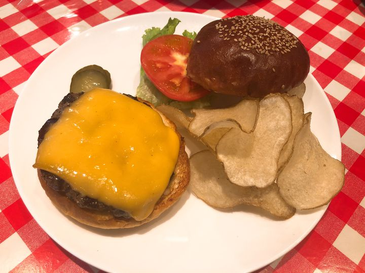 """美味しい思い出、二人だけ。東京都内の""""デートで行きたい""""ハンバーガー屋さん7選"""