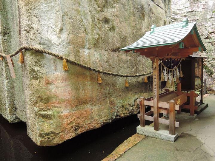 超ド級のミステリー!日本三奇の1つ「生石神社」の浮石の謎に迫る!