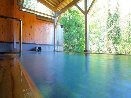 石川で温泉に入るなら。加賀温泉郷で泊まりたい上質な温泉宿7選