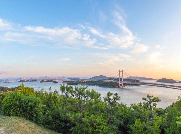 """瀬戸内海に沈む夕陽を見ながら。""""サンセットフェスタinこじま""""が開催"""