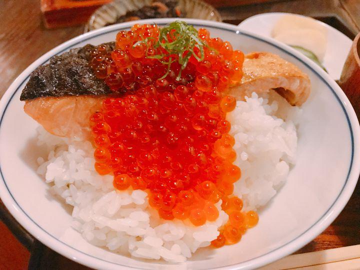"""鮭と酒で大人の楽しい夜を。東京都内にある絶品""""しゃけグルメ""""店まとめ"""