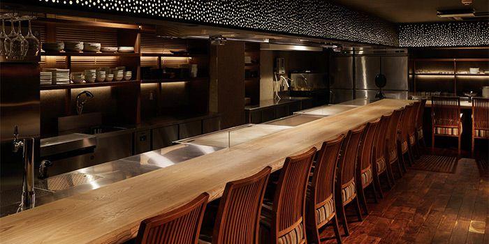 あの人の隣に座る夜。カウンター席がある東京都内の絶品料理8選