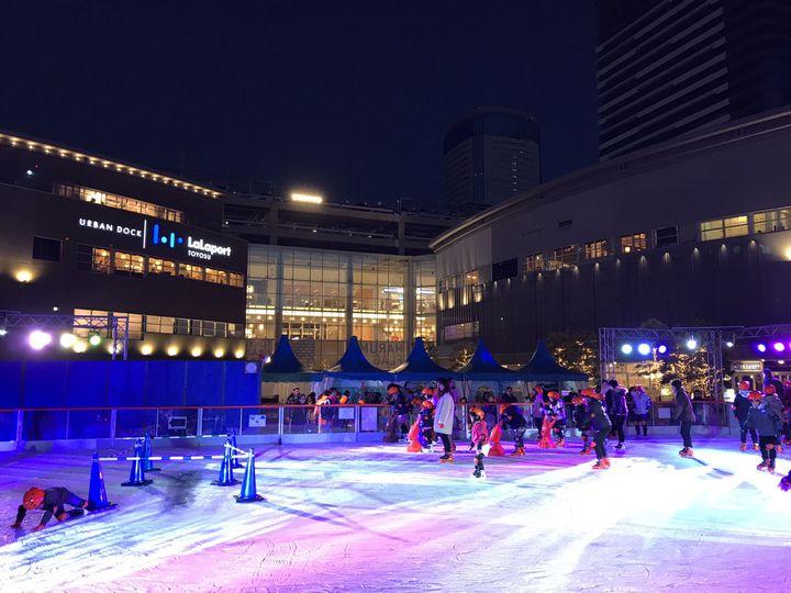 """【冬季限定】氷の上を滑らかに。東京近郊で楽しめる""""屋外アイススケート場""""まとめ"""