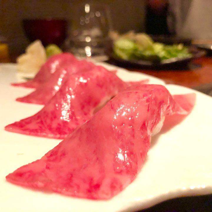 肉本来の旨みを味わえ!東京都内の悶絶するほど美味い「肉寿司」5選