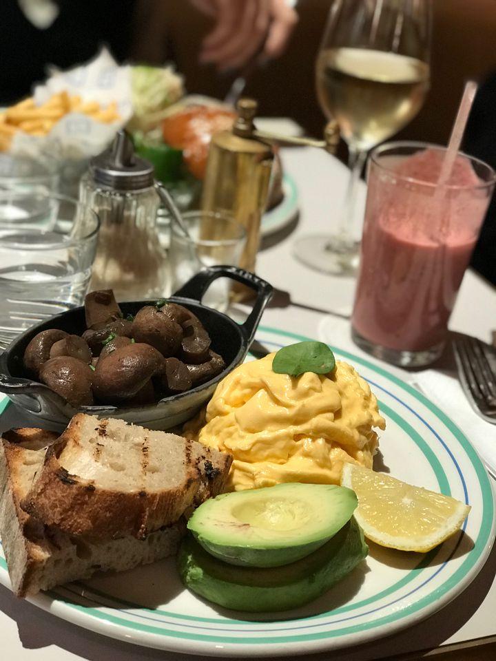 アフタヌーンティーの前に朝食を。ロンドンの「オシャレな朝食」7選